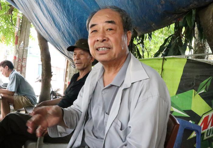 Ông Trần Xuân Bảy là đời thứ 13 ở làng Phú Diễn kể về giếng cổ.
