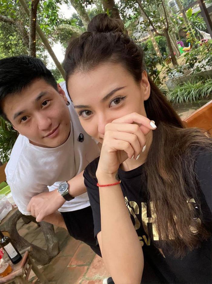 Hẹn hò Huỳnh Anh chưa bao lâu, Hồng Quế đã ẩn ý về chuyện bị phản bội
