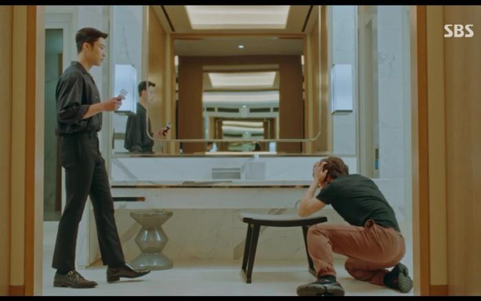 Jo Young và Eun Seop hoán đổi thân phận.