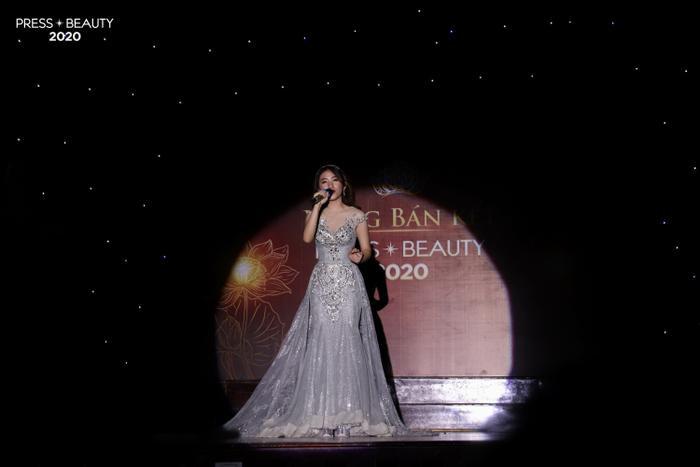 Giọng hát ngọt ngào đến từ số báo danh 18 - Bùi Phương Linh.