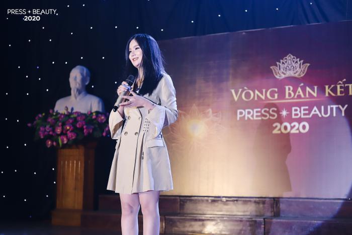Phần thi Hùng biện độc đáo của thí sinh Tống Thủy Tiên về Sơn Tùng M-TP và sự phát triển của âm nhạc Việt Nam.