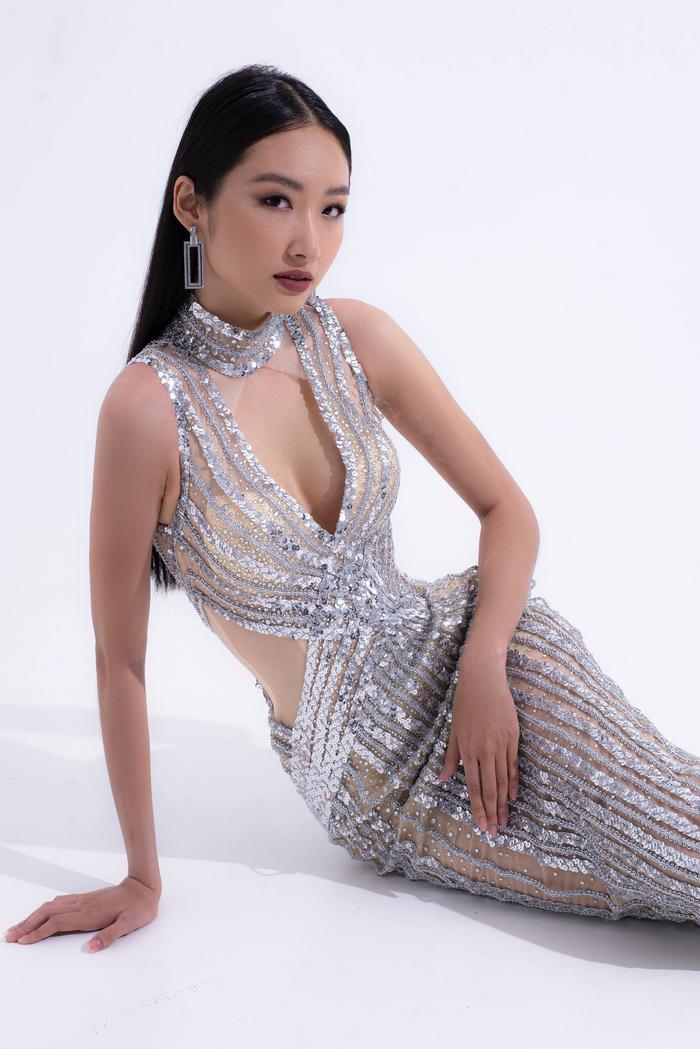 Hổ chiến tại MU Việt Nam 2019  Hoàng Phương khoe sắc với váy áo quyến rũ tột cùng ảnh 3