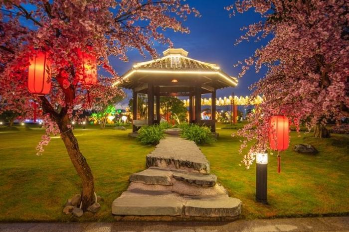 Những góc sống ảo chất ngất tại Công viên Nhật Bản đầu tiên tại Hà Nội ảnh 11