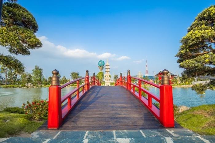 Những góc sống ảo chất ngất tại Công viên Nhật Bản đầu tiên tại Hà Nội ảnh 6