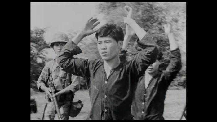 Ngô Thanh Vân hóa nữ phát thanh viên trong Da 5 Bloods  phim về chiến tranh Việt Nam của Netflix ảnh 4