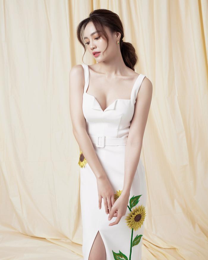 Ninh Dương Lan Ngọc diện sắc trắng tinh khôi, đẹp tựa giọt sương ban mai ảnh 2