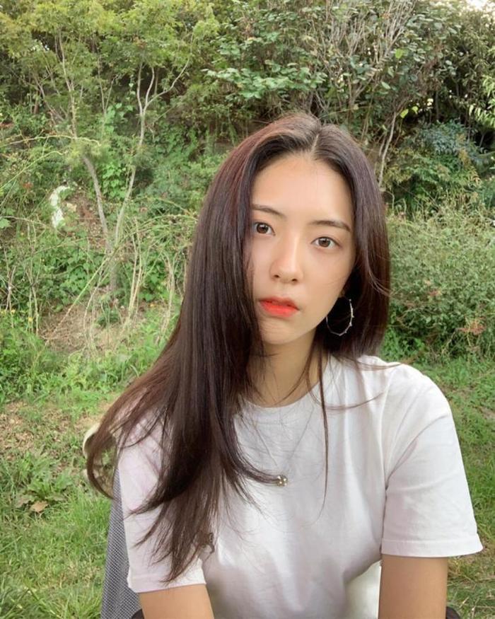 Lộ bằng chứng T.O.P (Bigbang)  Kim Ga Bin hẹn hò dù hơn kém 12 tuổi: YG tỉnh bơ đáp trả! ảnh 10