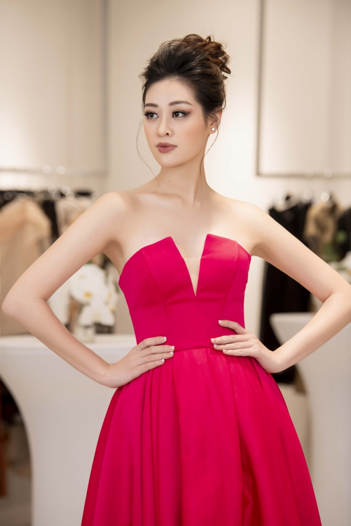 Khánh Vân diện style công chúa, đẹp rạng rỡ như đóa hồng đỏ sắc vẫn thừa hương thơm ảnh 3