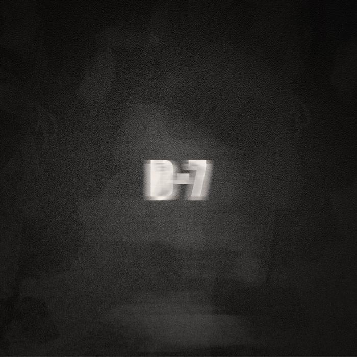 Big Hit bất ngờ tung ảnh đếm ngược vào ngày 17/05/2020.