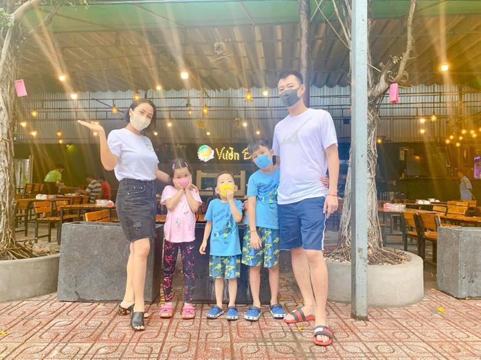 Đến thời điểm hiện tại gia đình của Ốc Thanh Vân đã trở thành một trong những gia đình kiểu mẫu showbiz Việt và được không ít người ngưỡng mộ.