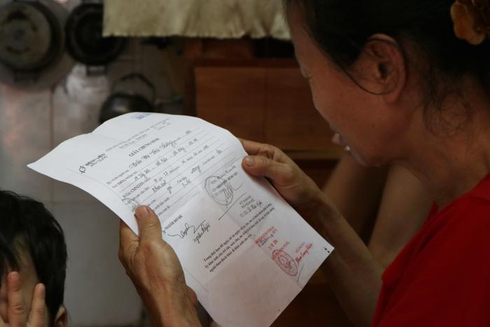Bà Ly không có giấy tờ liên quan đến các cháu nên UBND phường Trung Văn gặp rất nhiều khó khăn trong giải quyết.
