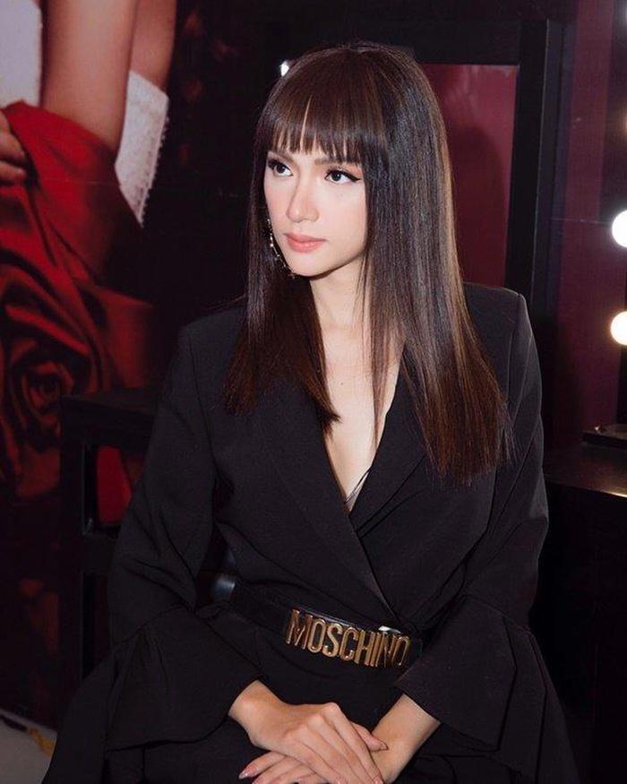 Hương Giang nhận sai lầm vì tự cắt tóc mái Lisa, fan an ủi: Style chim sẻ đi mưa vẫn xinh mà ảnh 3