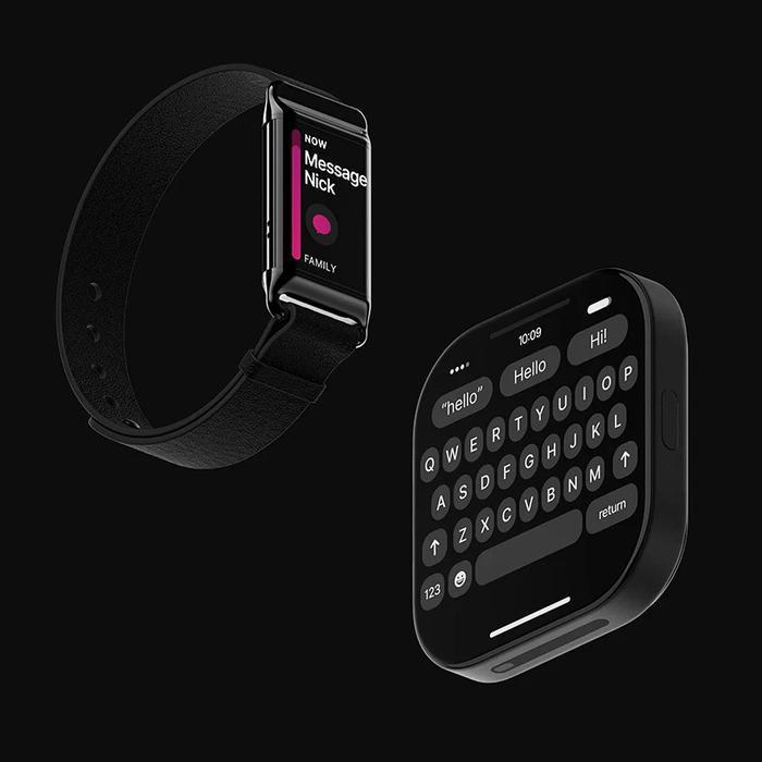 """Chỉ cần thêm dây đồng hồ, chiếc iPhone sẽ nhanh chóng """"biến hình"""" thành smartwatch. Chưa kể, người dùng cũng có thể sử dụng chiếc iPhone này để ghi hình, bộ đàm,… giống như cảnh sát khi đeo máy quay bằng cách gắn vào clip trên áo.(Ảnh: Louis Berger)"""