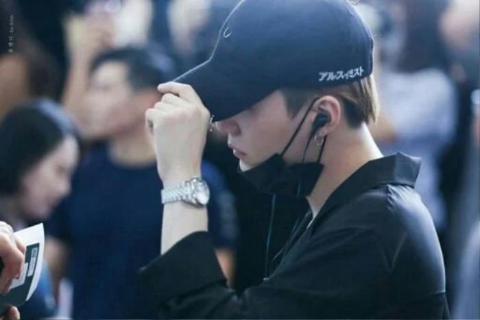 'Soi' loạt đồng hồ có giá trị bằng cả căn nhà của các thành viên BTS