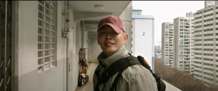 Trailer phim#ALIVE:Park Shin Hye và Yoo Ah In chiến đấu với lũ zombie cực ngầu ảnh 2
