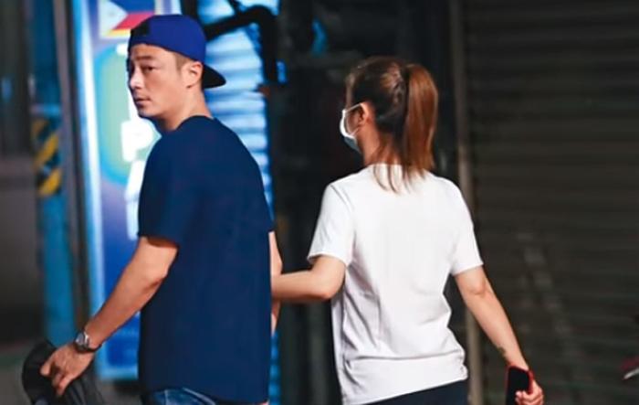 Lâm Tâm Như và Hoắc Kiến Hoa tay trong tay hẹn hò tình cảm trên đường phố