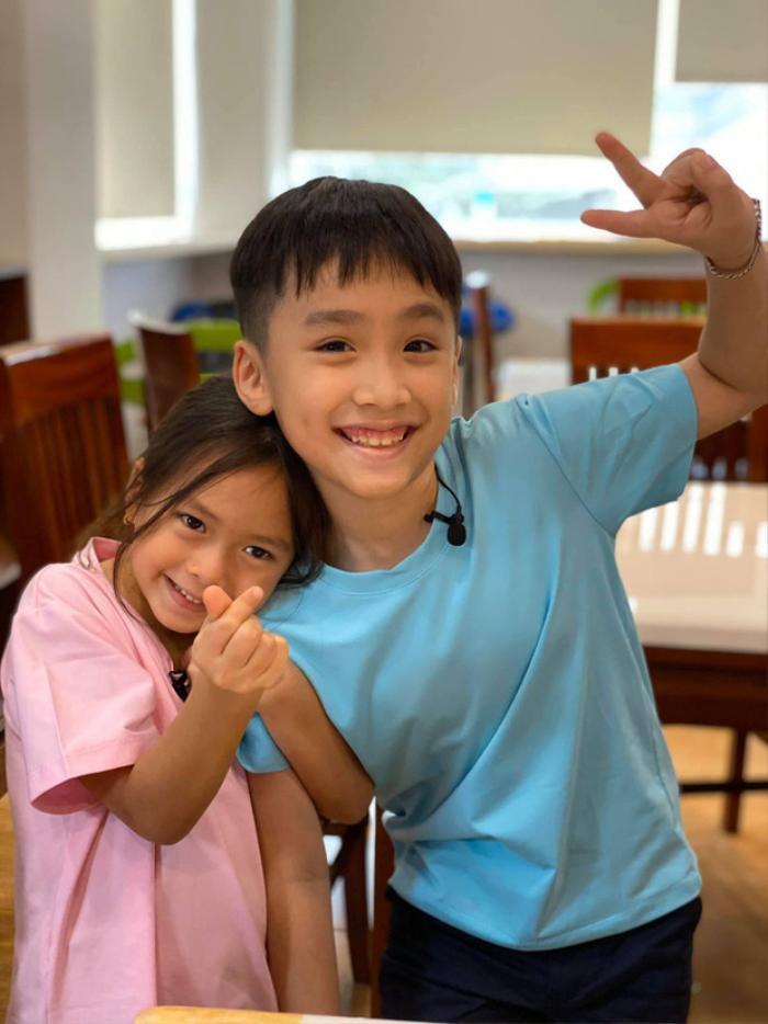 Danh hài Thu Trang tung loạt ảnh 'new couple' của quý tử và con gái Đoan Trang