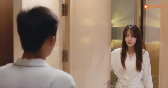 Tập 14 Hạnh phúc trong tầm tay: Sau nụ hôn ướt át, Hoàng Cảnh Du  Địch Lệ Nhiệt Ba dẫn nhau về khách sạn để ảnh 19