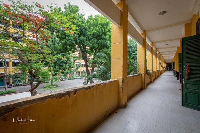 Vẻ đẹp nhuốm màu thời gian của ngôi trường THPT với kiến trúc Pháp đẹp nhất Sài Gòn ảnh 12