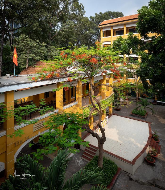 Vẻ đẹp nhuốm màu thời gian của ngôi trường THPT với kiến trúc Pháp đẹp nhất Sài Gòn ảnh 8