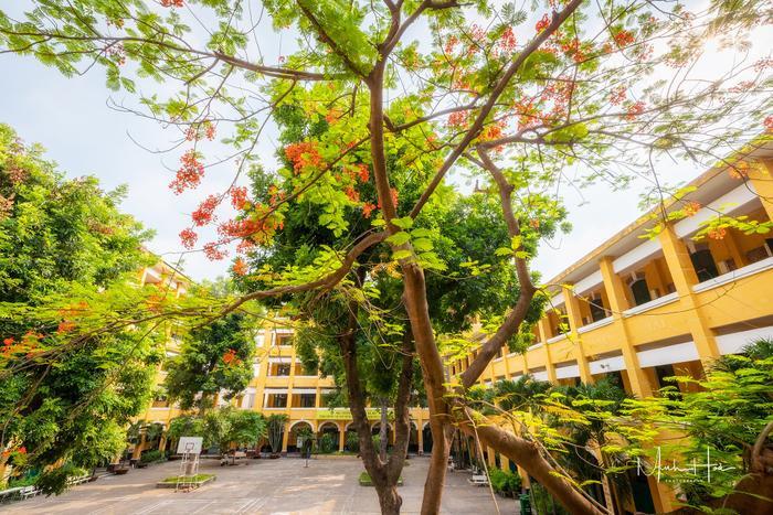 Trường được bình chọn là một trong những trường có kiến trúc Pháp đẹp nhất Sài Gòn.