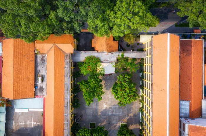 Vẻ đẹp nhuốm màu thời gian của ngôi trường THPT với kiến trúc Pháp đẹp nhất Sài Gòn ảnh 14