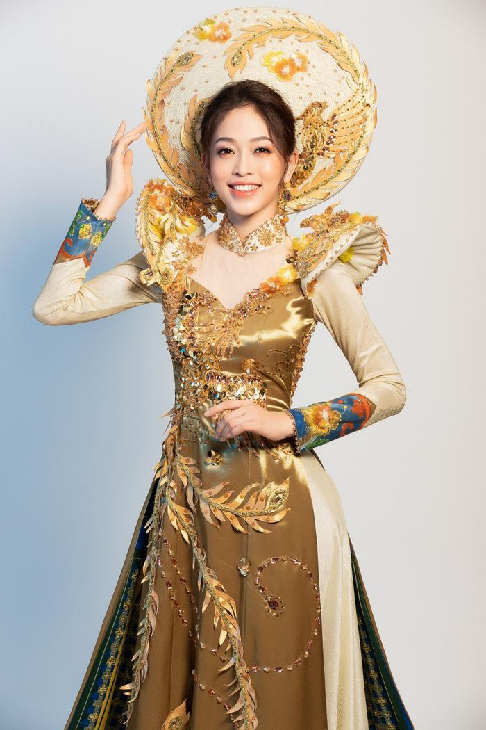 10 National Costume vàng rực đẹp nhất lịch sử: Phương Khánh  Tường San chiến thắng vẻ vang ảnh 5