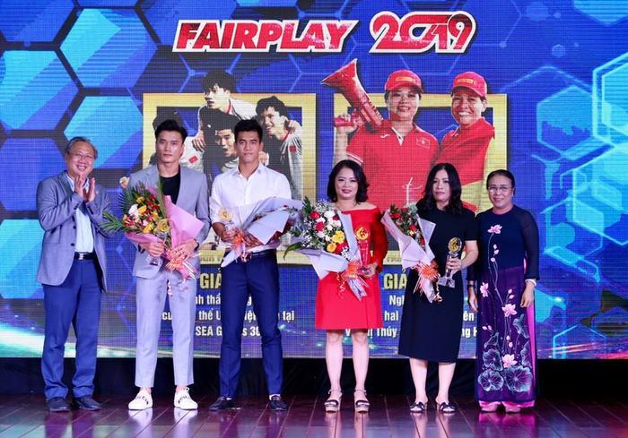 Hai giải tư và năm Fair Play 2019.