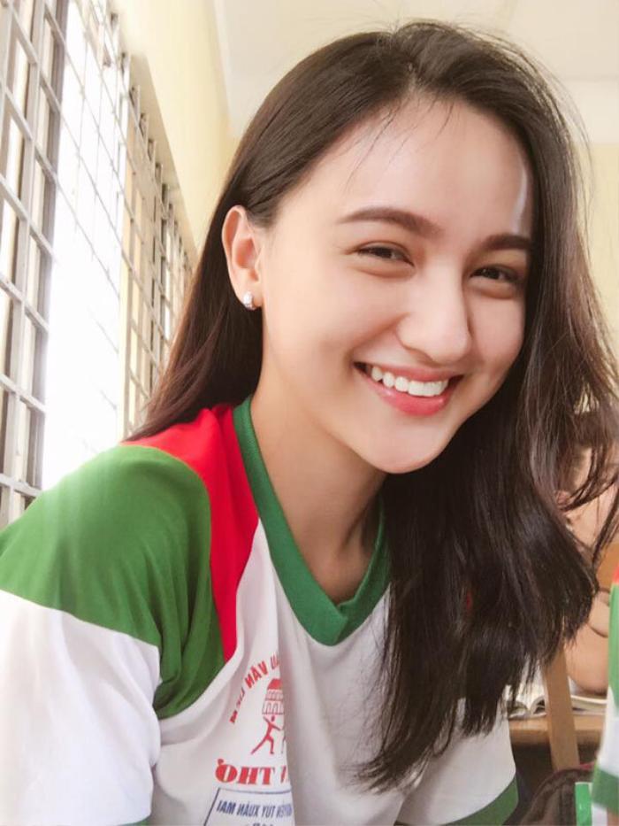 'Vũ trụ' hotgirl 'người Việt mặt Tây', sở hữu lượng theo dõi 'khủng' thường bị nhầm là con lai