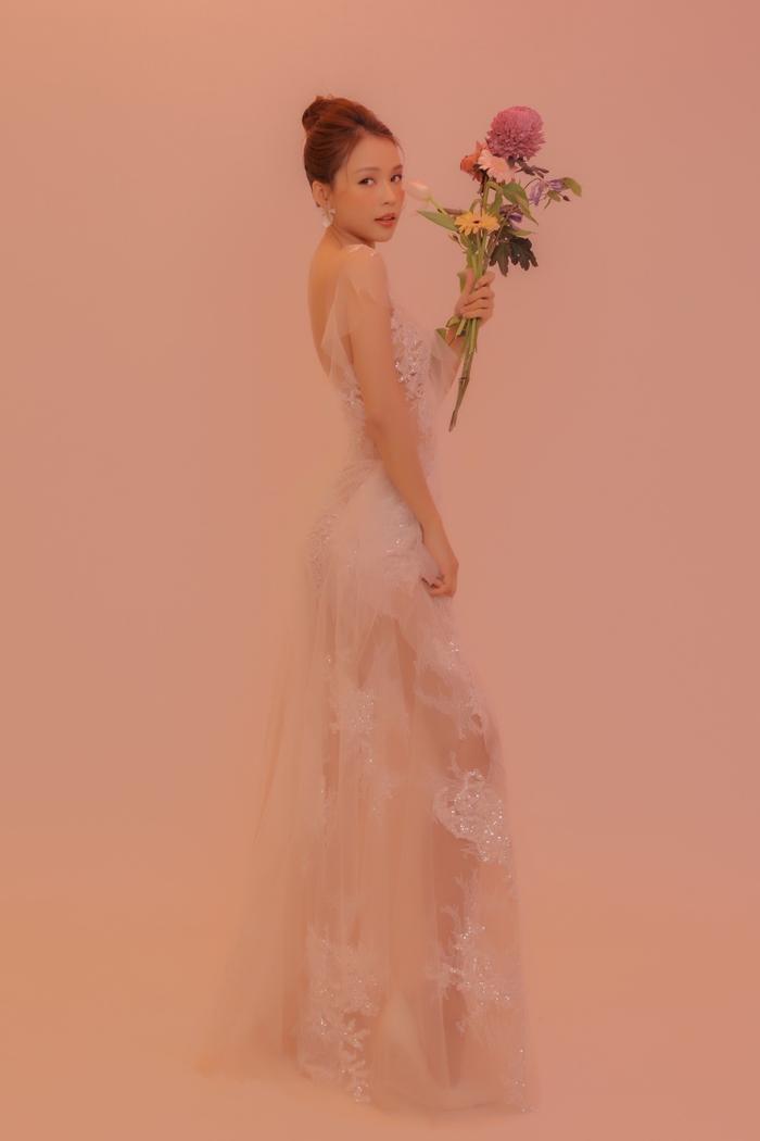 Sam hóa cô dâu lẻ loi tìm chú rể, xinh đẹp thế này mà mãi độc thân! Ảnh 16