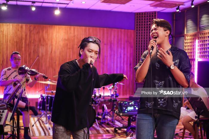 King Of Rap 2020: Hot boy HIEUTHUHAI kết hợp với Lyly, Dablo cộng hưởng Andiez giành vé vào Top 5 Ảnh 6
