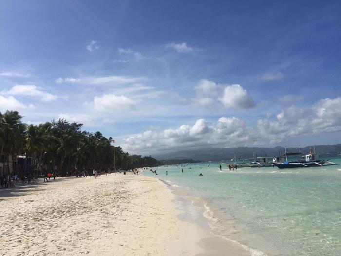Từ bãi biển ngập ngụa rác, Boracay đã khiến nhiều người kinh ngạc vì sự thay đổi này Ảnh 9