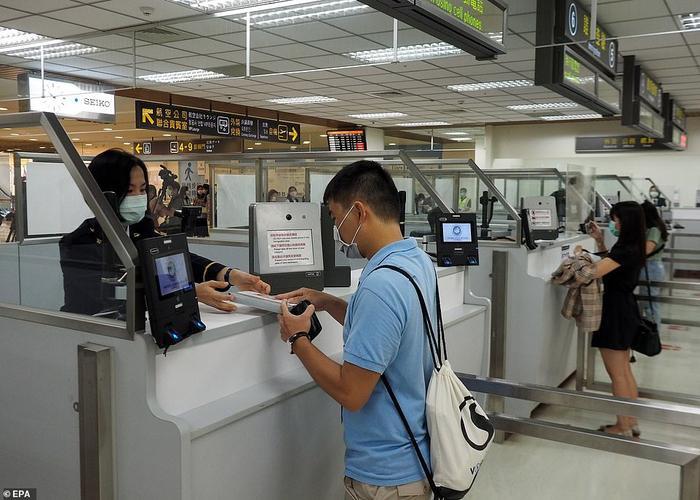 Dịch vụ 'bay giả' giải cơn khát du lịch cho hành khách Ảnh 2