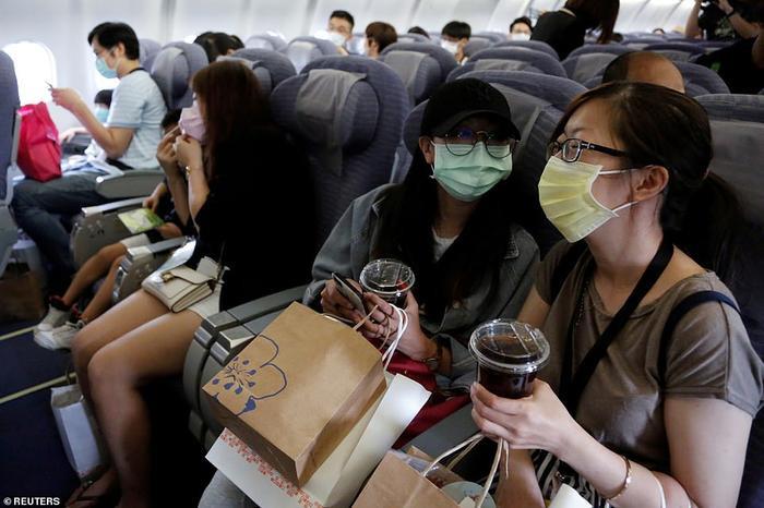 Dịch vụ 'bay giả' giải cơn khát du lịch cho hành khách Ảnh 4