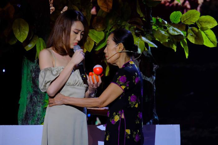 Hoa hậu Hoàng Kim tiết lộ chuyện thần tượng diễn viên Quách Ngọc Ngoan: 'Anh Ngoan là người đàn ông hiếm có của showbiz Việt' Ảnh 5