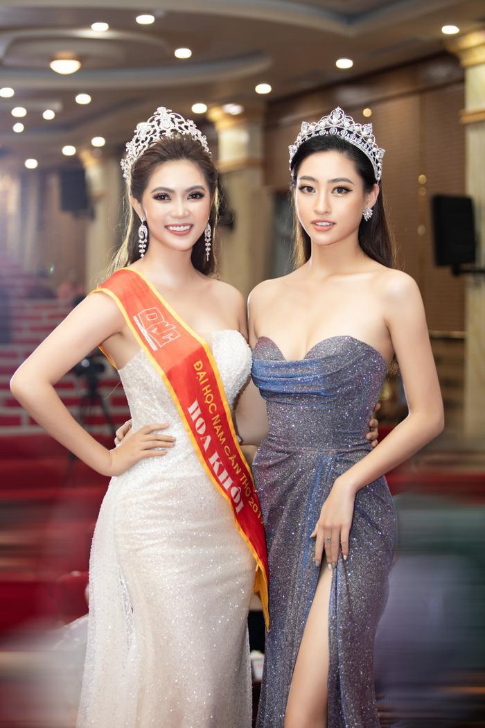 Hoa hậu Lương Thuỳ Linh đội vương miện 3 tỷ khoe nhan sắc 'vạn người mê' chấm thi sắc đẹp Ảnh 4