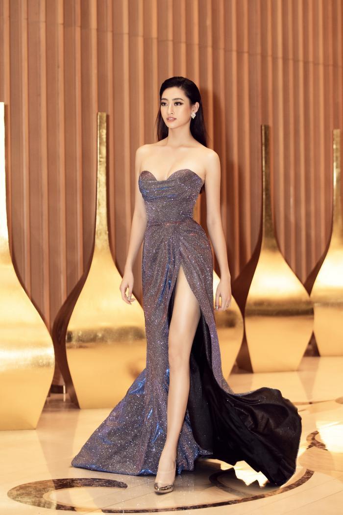 Hoa hậu Lương Thuỳ Linh đội vương miện 3 tỷ khoe nhan sắc 'vạn người mê' chấm thi sắc đẹp Ảnh 7
