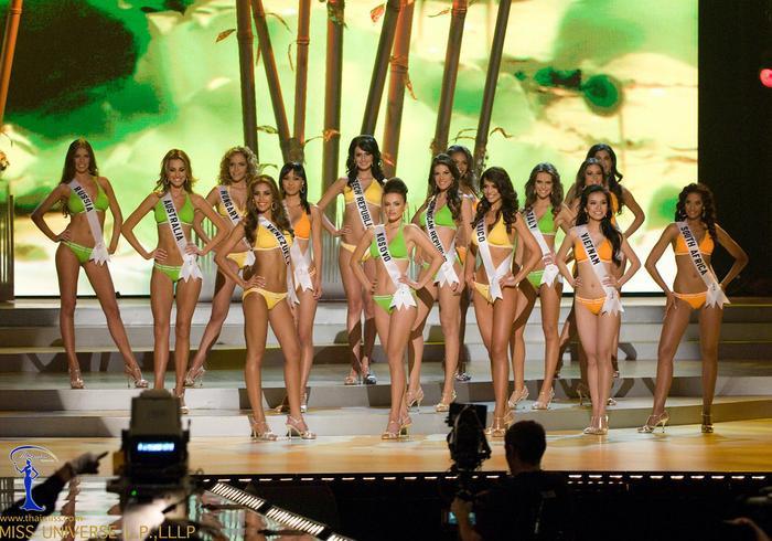 Hôm nay tròn 12 năm Miss Universe 2008 tại Việt Nam: Thùy Lâm lọt Top 15 huy hoàng lịch sử nhan sắc Ảnh 5
