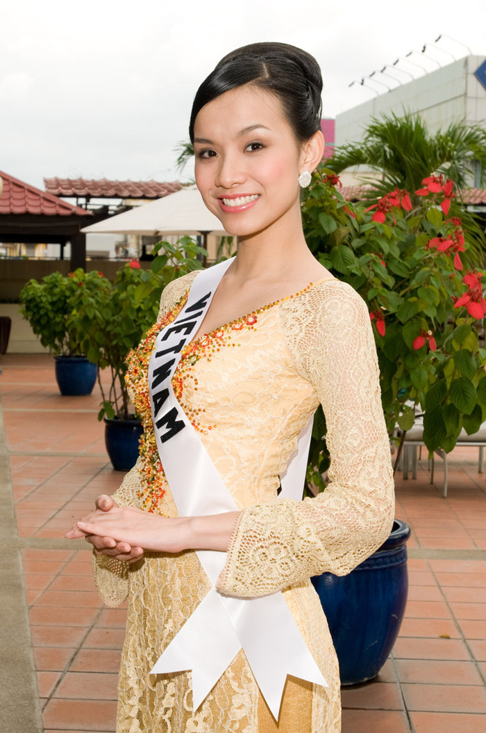 Hôm nay tròn 12 năm Miss Universe 2008 tại Việt Nam: Thùy Lâm lọt Top 15 huy hoàng lịch sử nhan sắc Ảnh 3