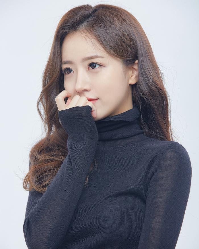 Sở hữu nhan sắc cực phẩm, streamer Hàn Quốc nhận hơn 8 tỷ đồng chỉ nhờ khoảnh khắc buộc tóc Ảnh 2