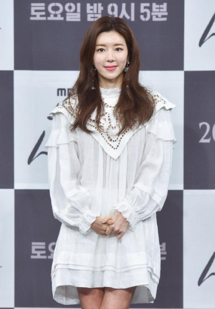 Park Han Byul bán sạch gia tài, về Jeju ở ẩn sau scandal của chồng và Seungri (Bigbang): Giải nghệ? Ảnh 10