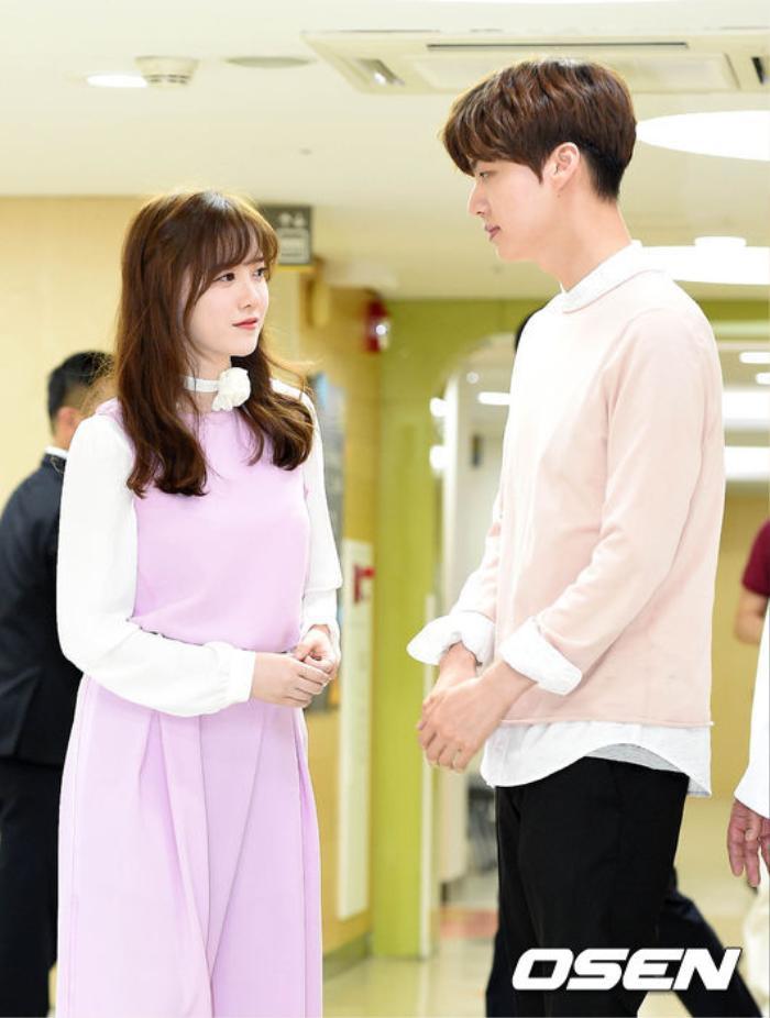Goo Hye Sun - Ahn Jae Hyun hoàn tất ly hôn trên tòa: Tuyên bố hỗ trợ cho tương lai của nhau! Ảnh 1