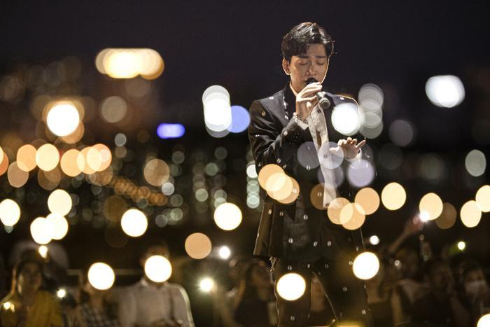 Từ chàng trai hát cover, Tăng Phúc 'phá đảo thế giới ảo' và giờ đây có hẳn live concert trên tầng thượng Ảnh 8