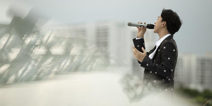 Từ chàng trai hát cover, Tăng Phúc 'phá đảo thế giới ảo' và giờ đây có hẳn live concert trên tầng thượng Ảnh 2