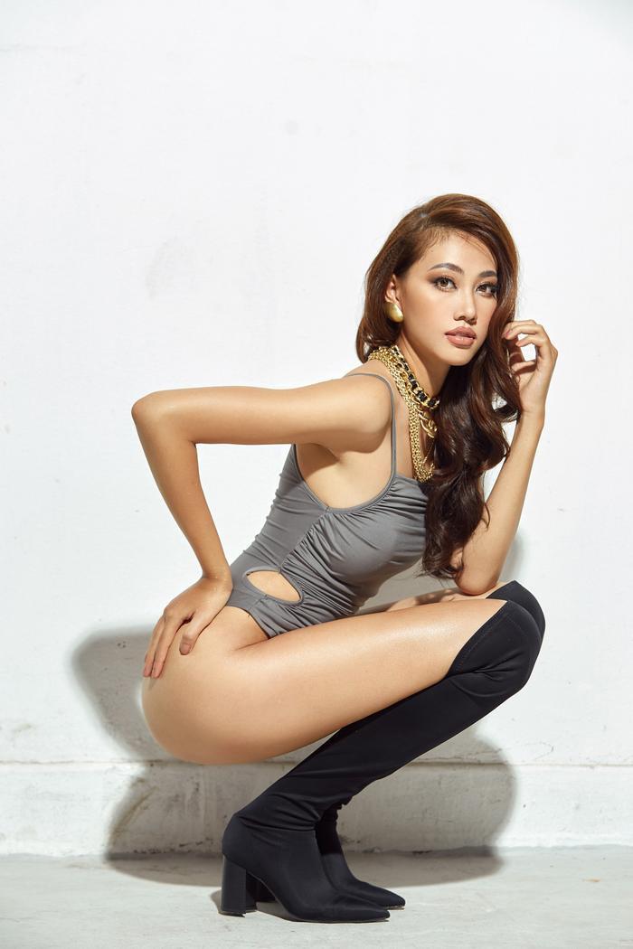 Top 15 hoa hậu Hoàn vũ Việt Nam: Đàn ông không dám đến gần tôi vì chiều cao 1m8