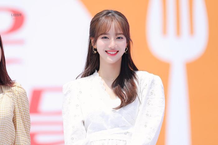 Naeun (APRIL) - nàng thơ xinh hơn hoa bị bạn học tố bạo lực học đường: Công ty đòi kiện! Ảnh 4