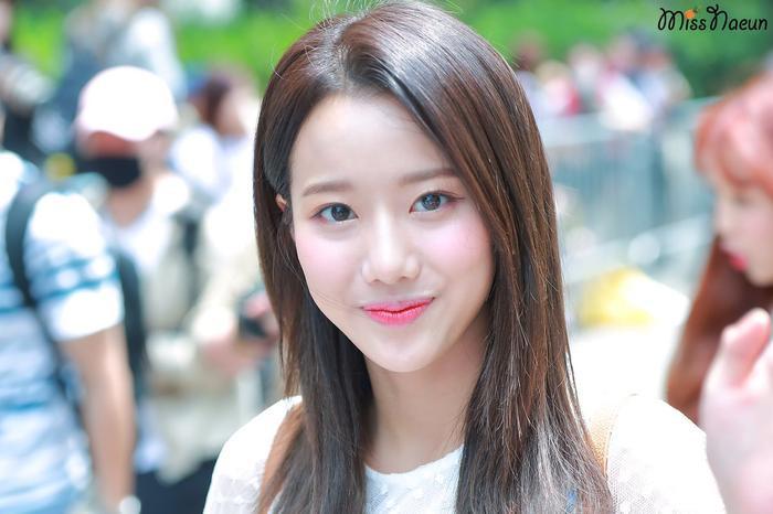 Naeun (APRIL) - nàng thơ xinh hơn hoa bị bạn học tố bạo lực học đường: Công ty đòi kiện! Ảnh 1