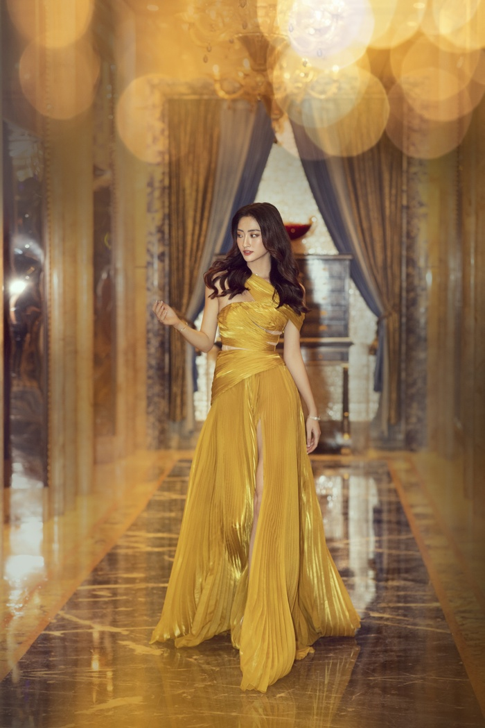 Lương Thùy Linh tung váy đẹp mắt khoe chân dài 1m22, diện trang sức tinh tế nhưng giá khủng đến 1.3 tỷ Ảnh 6