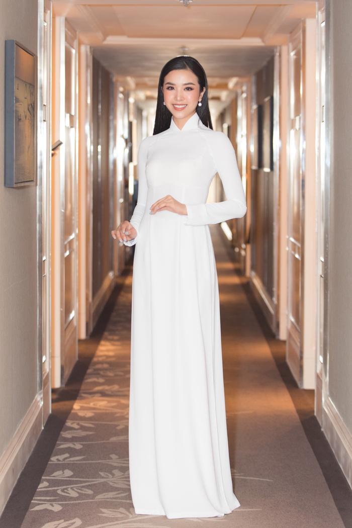 Á hậu Thúy An xinh đẹp cuốn hút làm giám khảo tìm ứng viên thi Hoa hậu Việt Nam 2020 Ảnh 5