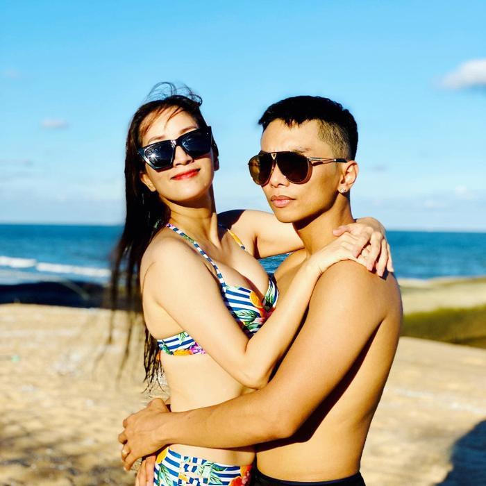 Khánh Thy diện bikini khoe body siêu hot ở độ tuổi U40, fan trầm trồ 'đẹp như vậy ai làm lại chị'